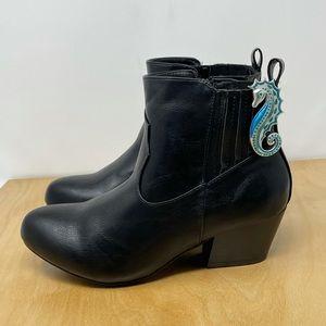 Torrid Black Vegan Leather Western Heel Ankle Bootie Size 7 1/2 WIDE